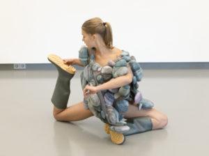 Piero Gilardi, teatralizzazione con danzatrice in occasione del vernissage della sua retrospettiva al Van Abbemuseum, Eindhoven, 8/9/2012, ph Peter Cox, courtesy Van Abbemuseum