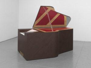 Richard Artschwager, Piano grande, 2012, Collezione Prada, Milano, Photo credit: Robert McKeever