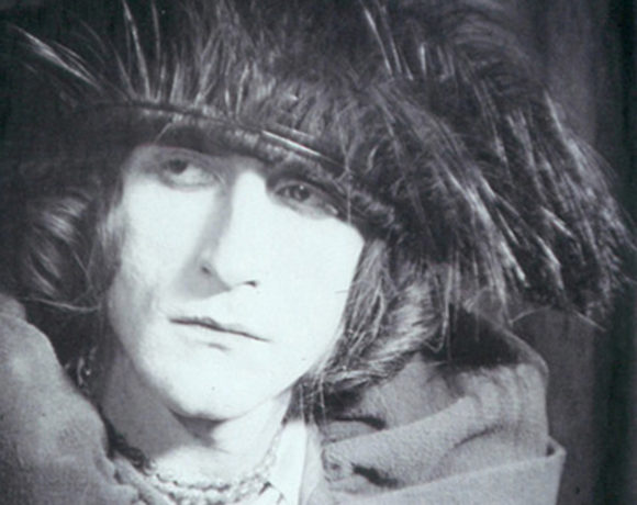 Trasformismo: Marcel-Duchamp-come-Rrose-Sélavy-1921_