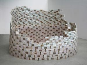 Aldo Mondino, Torre di torrone, 1968, scatole di torrone (legno e carta), 180x260, Collezione La Gaia. collezionisti