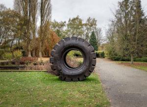 Michel François, Pièce à conviction (45/65 - 45), 2012, Rubber tire, diameter: 243 cm. Ph courtesy Xavier Hufkens, Bruxelles