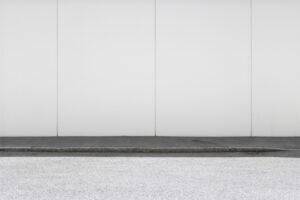 """Maurizio Ciancia, Spazio #9314, 2019. Serie """"C'è SPAZIO per tutti"""". Fotografia digitale, stampa Fine art realizzata da Stefano Ciol, 50 x 75 cm, edizione 2 di 10. Courtesy Ema Marinova, Cluster London, UK"""
