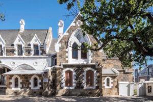 Immagine esterna della nuova sede della Goodman Gallery a Cape Town (37a Somerset Road, De Waterkant, un ex convento dei primi del Novecento), ph courtesy Goodman Gallery