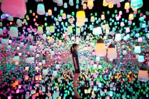 "MORI Building Digital Art Museum. TeamLab Borderless, ""Forest of Resonating Lamps""., Interactive Digital Installation, 2016"