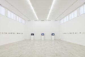 Joachim Schmid, Photoworks, 2021, installation view, P420, Bologna, Courtesy P420, Bologna foto /photo Carlo Favero