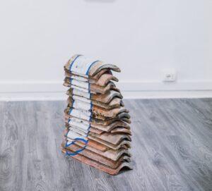 """Matteo Messori, """"Antiforma"""", acrilico, intonaco, gesso e vinavil su garze mediche. 400 x 200 cm, 2020"""