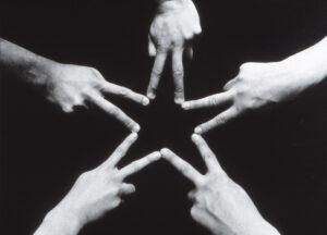 Maurizio Cattelan, Senza titolo, 1996, stampa fotografica, ph courtesy Massimo De Carlo, Milano