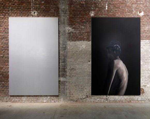Anne Imhof, Untitled, 2017, oil on canvas, 300 × 190 cm (each). Coll. Pinault Collection (Paris, Venice); photo credit Aurélien Mole, courtesy of the artist and Galerie Buchholz