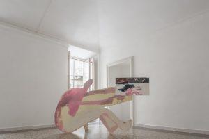 Andrea Barzaghi, pittore con autoritratto, legno e trucialato dipinto, 120x210 cm, 2017 ph Stefano Mattea
